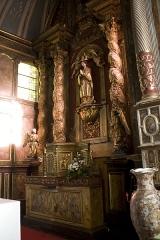 Eglise Saint-Vincent - English:  Altar, statue of Notre-Dame-de-la-Paix crowned by two angels.
