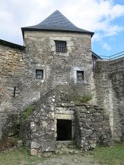 Vieux Château de Mauléon - English: Dungeon of the castle of Mauléon-Licharre, (Pyrénées-Atlantiques, France).