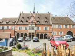Hôtel de ville - Français:   Façade de la mairie de Barr. Bas-Rhin.