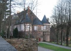 Château -  Château de Birkenwald (Bas-Rhin) construit en 1562 et classé monument historique.