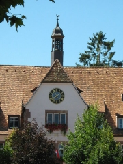 Hôtel de ville - Français:   Vue sur l\'horloge et le clocheton (cloches XVe) de la Chancellerie de Bouxwiller, Basse Alsace, France