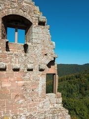 Ruines du château de Fleckenstein - English: Tower ruin of Fleckenstein Castle