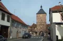 Enceinte médiévale de la ville (vestiges du mur) -  Porte des Forgerons - Molsheim (Bas-Rhin)