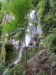 Ruines du château du Nideck - English: Nideck waterfall, Oberhaslach, France