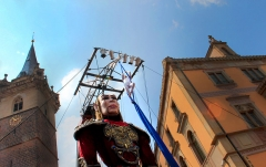 Hôtel de ville - Español: Salvador la marioneta gigante en Obernai (Francia)