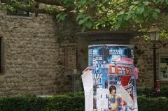 Vieux remparts - English: Advertising column at Rempart Mgr. Caspar in Obernai, France.