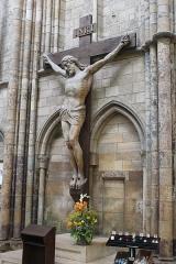 Cathédrale Saint-Etienne - English: Châlons-en-Champagne, cathedral Saint-Étienne, crucifix