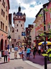Tour dite Tour Neuve ou Tour de l'Horloge - Français:   Une ruelle de Sélestat. Bas-Rhin
