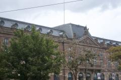 Bâtiment de l'Aubette - English: Immeuble construite en 1778 dans un style néo-classique et décoré au XXe siècle par l'architecte Theo van Doesburg, et les artistes Jean Arp et Sophie Taeuber-Arp.