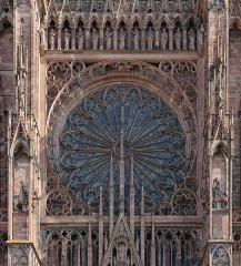 Cathédrale Notre-Dame - Rosace de la cathédrale Notre-Dame de Strasbourg (Bas-Rhin, France).