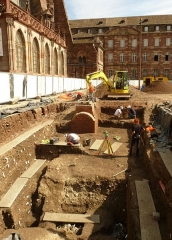 Lycée Fustel de Coulanges, ancien Collège des Jésuites - English: Archaeologists at work in the heart of historic Strasbourg, France