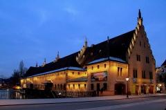Ancienne douane - Strasbourg l'Ancienne Douane de nuit. La nouvelle mise en lumière en janvier 2013