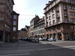 Ancien Hôpital Civil, actuellement Hôpital Universitaire de Strasbourg - English: Looking through rue d'Or towards the gothic choir of the former chapel of Strasbourg's Hôpital civil