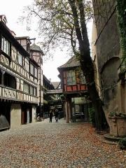Cour du Corbeau ou Hôtel dit du Corbeau -  Straßburg - Krutenau - Kuppelhofgass