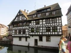 Maison - Français:   Maison depuis le pont du Faisan