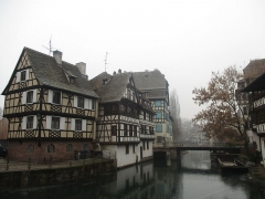 Maison - Français:   Pont du Faisan à Strasbourg;