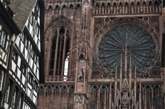 Immeubles -  Strasbourg Cathedral - Rose & Grids