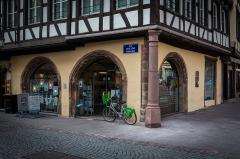 Immeubles -  Le Büchmesser de la place de la cathédrale à Strasbourg en mars 2016.