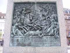 Monument du général Kléber - English: Relief of the battle of Heliopolis of March 20, 1800, mounted on the statue of General en:Jean-Baptiste Kléber on the Place Kléber in Strasbourg
