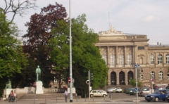 Palais Universitaire - English: The University Palace in Strasbourg, and a monument to one of the university's students, Johann Wolfgang Goethe.