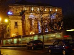 Théâtre municipal, actuellement Opéra du Rhin -  Strasbourg - Vue de nuit de l'Opera et du Tram - Night view of the Opera and Tram
