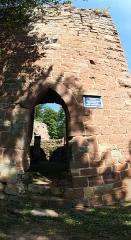 Ruines du château du Nouveau-Windstein -  DSC_6561 - DSC_6565