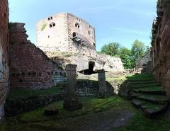 Ruines du château du Nouveau-Windstein -  DSC_6553 - DSC_6551