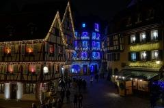 Maison - Français:   La rue des Marchands depuis le Koïfhus à Colmar (Haut-Rhin, France).