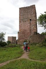 Ruines des châteaux de Weckmund et de Wahlenbourg -  Les trois châteaux  (la tour du Weckmund)