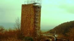 Ruines des châteaux de Weckmund et de Wahlenbourg - Français:   Le donjon du Weckmund en travaux