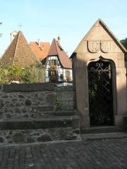 Tour dite des Sorcières dans le jardin de l'Hôtel Chambord -  Pont sur le Weiss (Kayserberg)