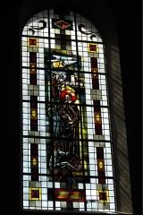 Eglise catholique Saint-Martin - Deutsch: Kirche Saint-Martin in Masevaux im Département Haut-Rhin (Elsass/Frankreich), Bleiglasfenster, Darstellung: Vinzenz von Paul