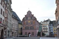 Ancien hôtel de ville, actuellement Musée historique -  L'ancien hôtel de ville - musée historique; 2 Place de la Réunion, Mulhouse, Alsace, France