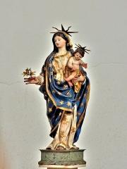 Place d'Armes Général-de-Gaulle (anciennement Place Centrale) - Français:   Vierge à l\'enfant
