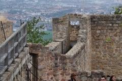 Château de Hohlandsberg ou Hohlandsbourg -  Le chemin de ronde et Colmar dans la plaine