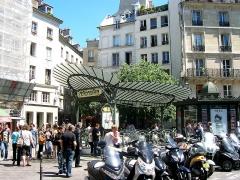 Métropolitain, station Châtelet - Italiano: Parigi - Ingresso Metrò Chatelet