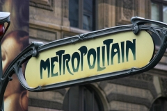 Métropolitain, station Palais-Royal - English: Métropolitain enameled sign