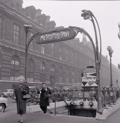 Métropolitain, station Palais-Royal -