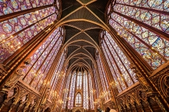 Sainte-Chapelle - English: A wide angle image of he inside of St Chapelle Church, Paris France