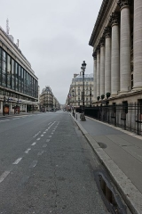 Bourse -  Siège de l'Agence France-Presse (AFP) à gauche et Palais Brongniart, Place de la Bourse, rue du Quatre-Septembre dans l'alignement, 2e arrondissement, Paris, France.