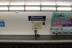 Métropolitain, station Réaumur-Sébastopol -  Vue latérale du quai direction Levallois de la station du métro parisien Réaumur - Sébastopol (ligne 3).