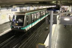 Métropolitain, station Réaumur-Sébastopol -  Réaumur - Sébastopol Metro, Paris, France.
