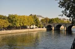 Pont Marie - English: Pont Marie and Quai de l'Hôtel de Ville in Paris 4th arrondissement, France.