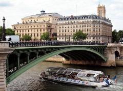 Théâtre de la Ville -  Pont Notre-Dame.