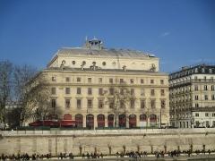 Théâtre de la Ville - Théâtre de la Ville (Paris), façade donnant sur la Seine.