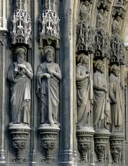 Eglise Saint-Laurent - Français:   Église Saint-Laurent (portail, statues) - Paris X