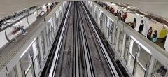 Métropolitain, station Gare du Nord - Français:   Façades de quai de la ligne 4 du métro de Paris à la station Gare du Nord en octobre 2019