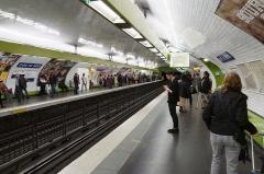 Métropolitain, station Gare du Nord -  Gare du Nord metro station, Paris.
