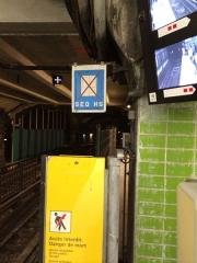 Métropolitain, station Gare du Nord -  SEQ hors service. Station Gare du Nord (ligne 4)