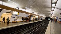 Métropolitain, station Gare du Nord - Français:   Station Gare du Nord du métro de Paris, sur la ligne 4.